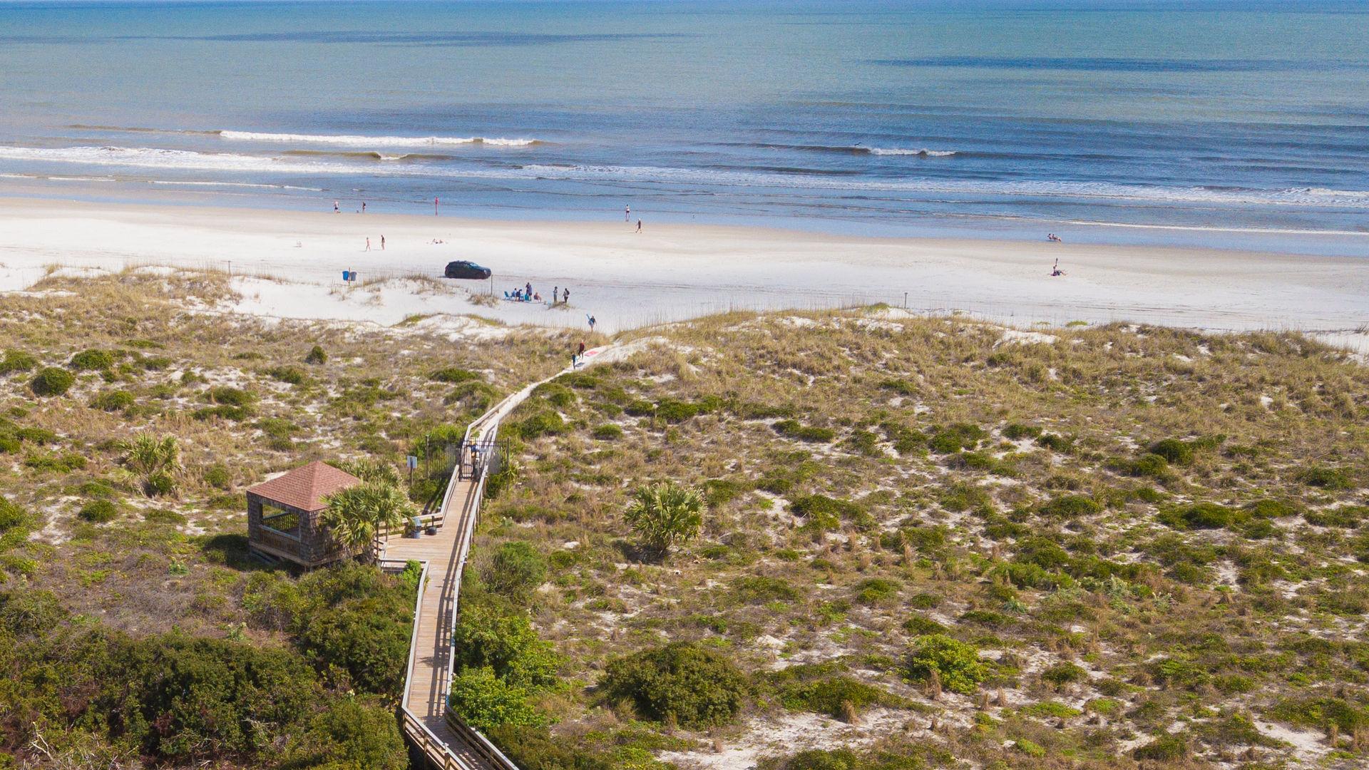 Gazebo boardwalk to beach