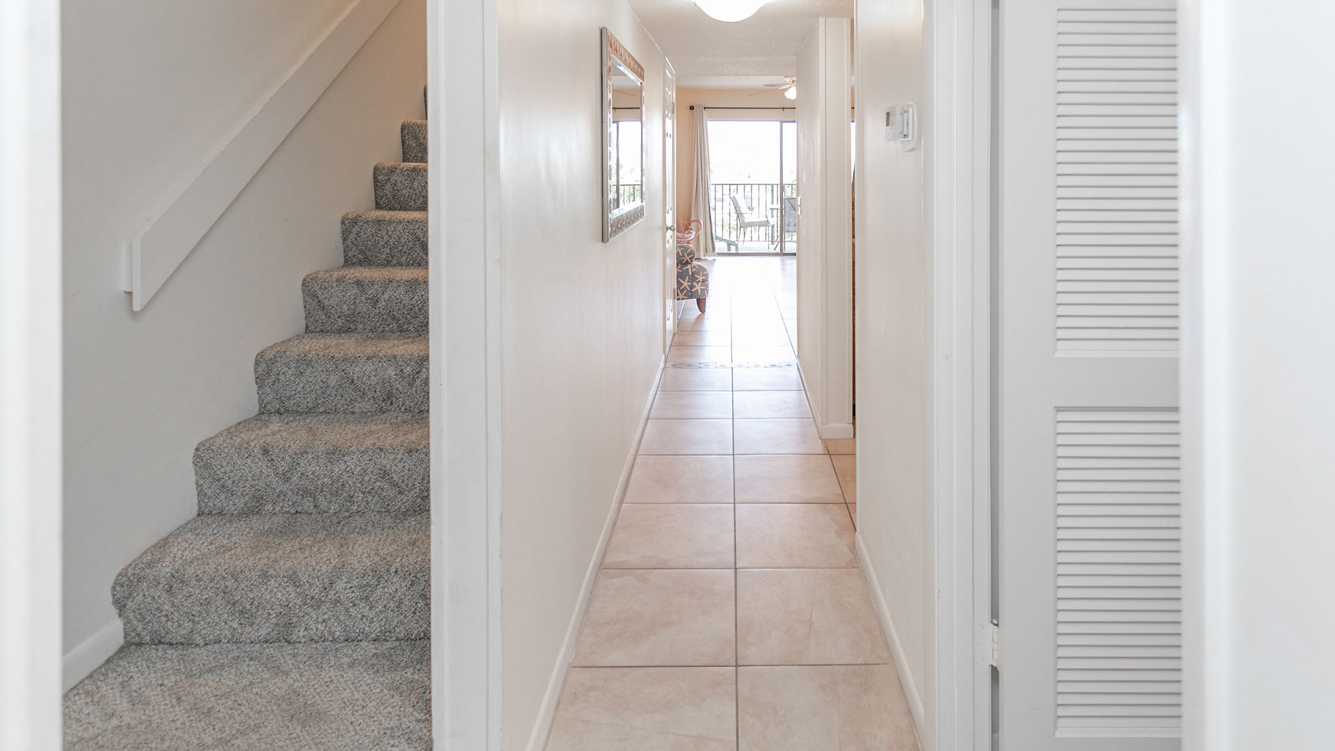Foyer stairs to Bedrooms