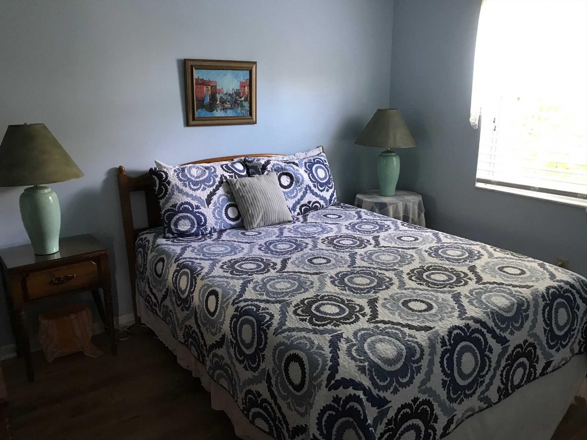 2nd Guest Bedroom w/Queen Bed